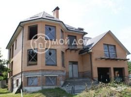 Продается кирпичный дом 520 кв м в центре Василькова, 100000 у.е.